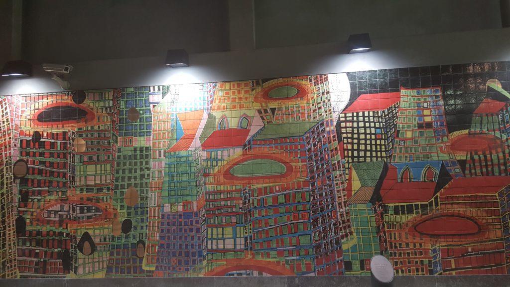 Kachelkunst im Bahnhof Oriente