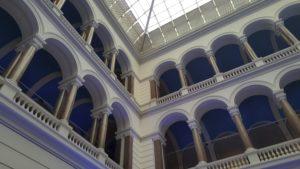 Innenhof im TU-Hauptgebäude