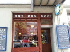 Außenansicht von Hot Dog Soup.