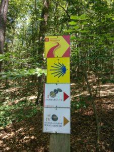 Wegschilder zur Donauroute