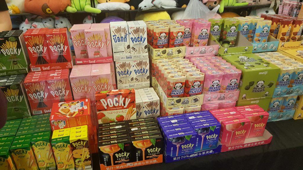 Auswahl an bunten, japanischen Süßigkeiten