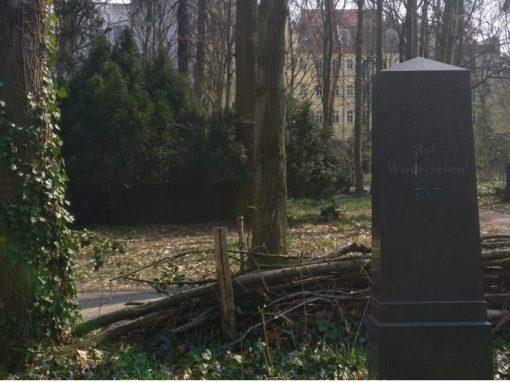Grabstein mit Auf-Wiedersehen-Inschrift