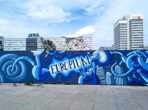 Kunstprojekt A-Fence am Alexanderplatz: Street-Art auf dem Bauzaun